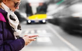 Peligro de andar con celular